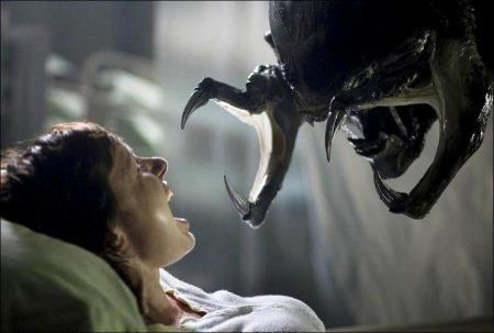 Alien vs. Predator: Requiem (AVPR) (2007)