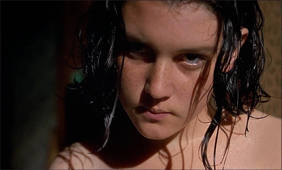 Heavenly Creatures Movie Trailer (1994)