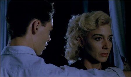 In a Crystal Cage - Tras el Cristal (1986)