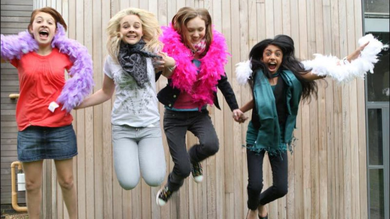 Angus Thongs And Perfect Snogging Cast angus, thongs and perfect snogging (2008) | 2000's movie guide